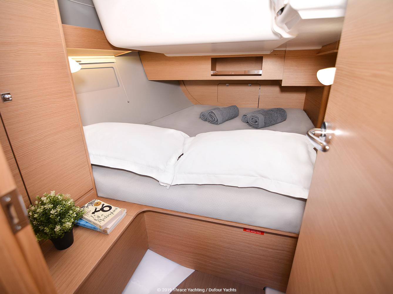 Dufour 390 interior_3