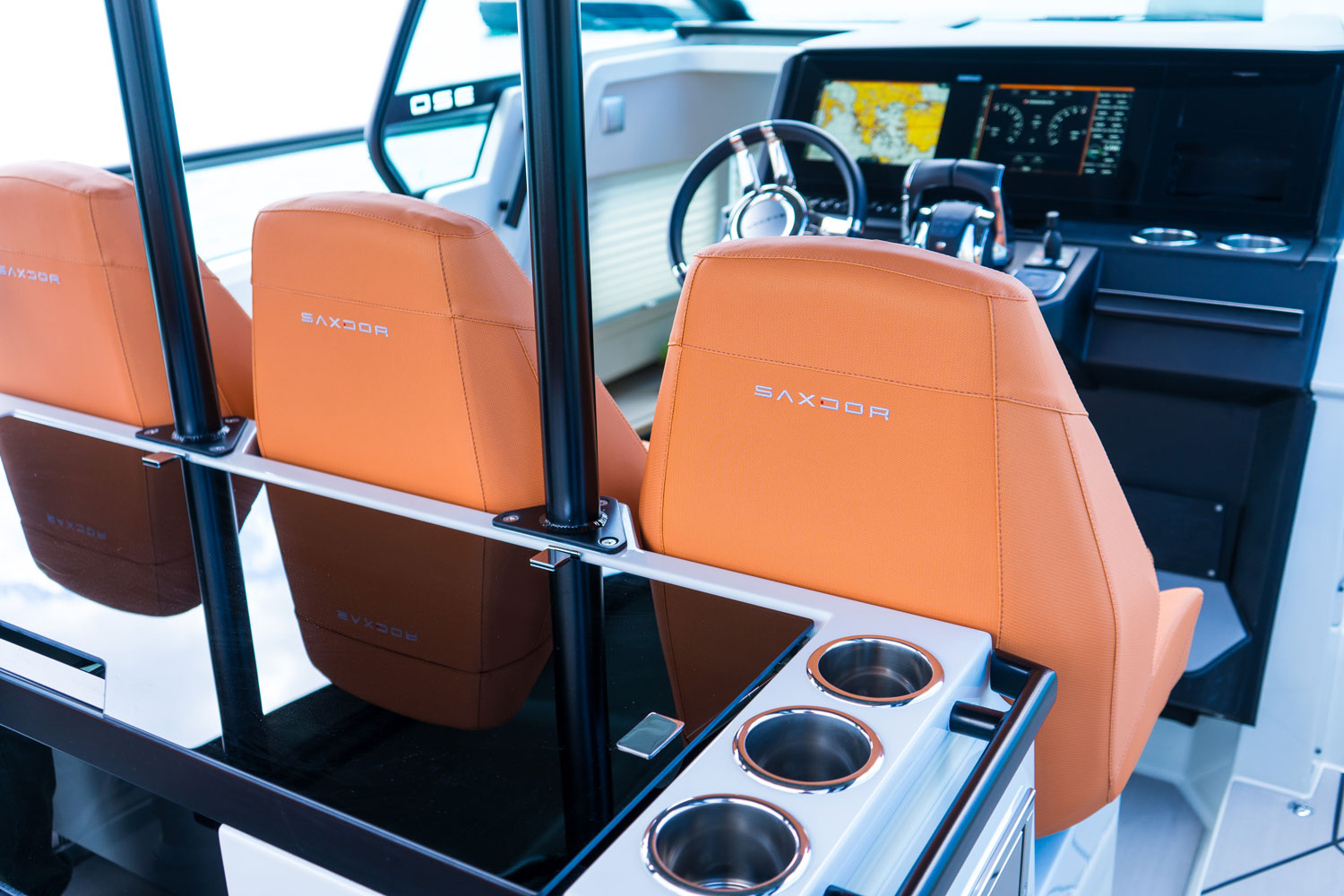 Saxdor 320 GTO cruise in style with power and comfort  image 5