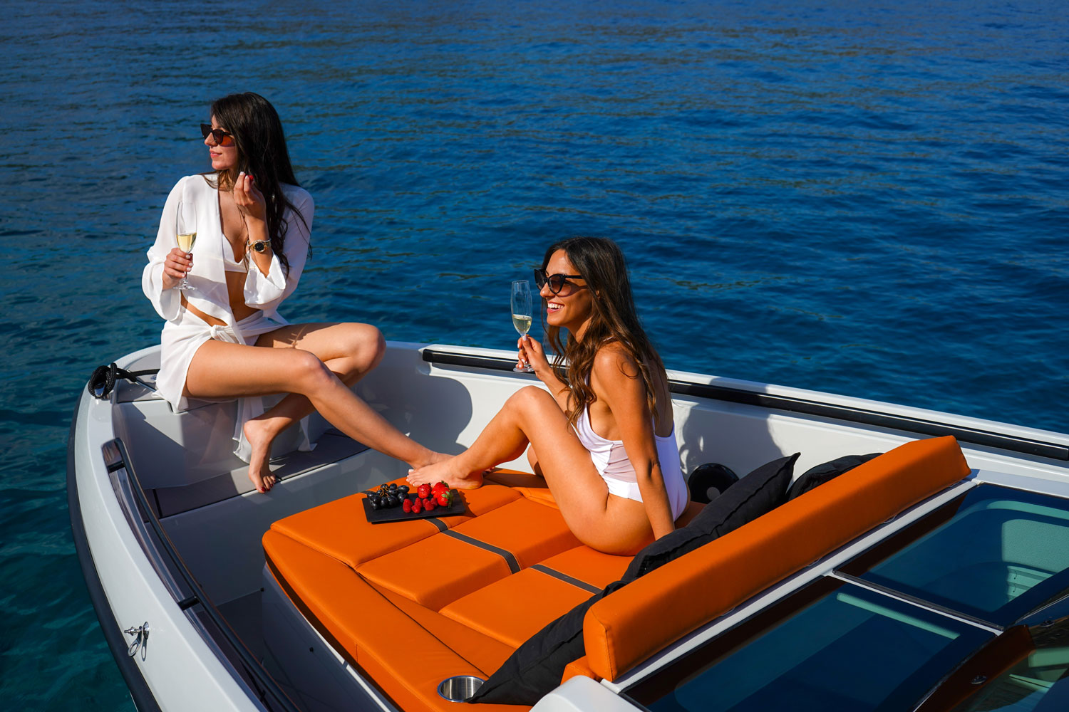 Saxdor 320 GTO cruise in style with power and comfort  image 2